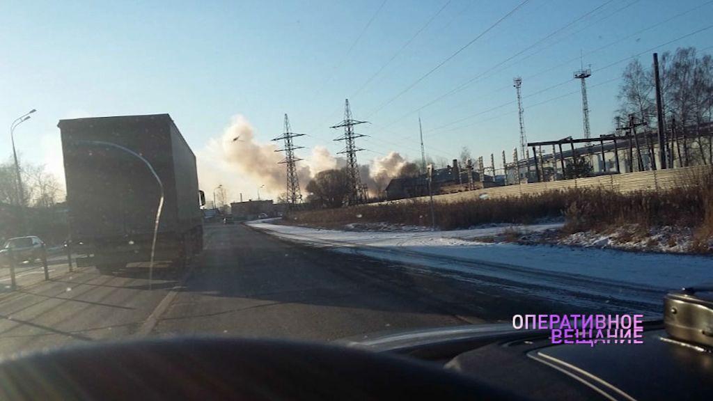 Крупный пожар в Ростове: загорелся шиномонтаж