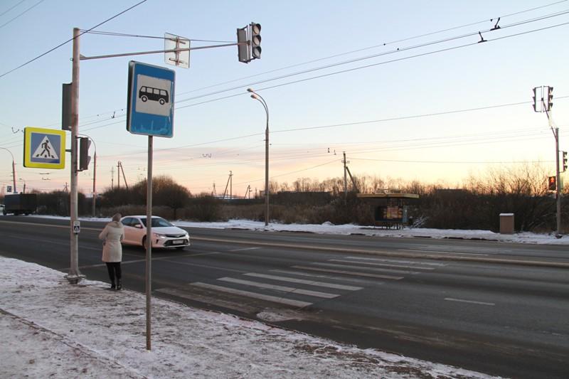 На опасном переходе в Рыбинске установили светофор