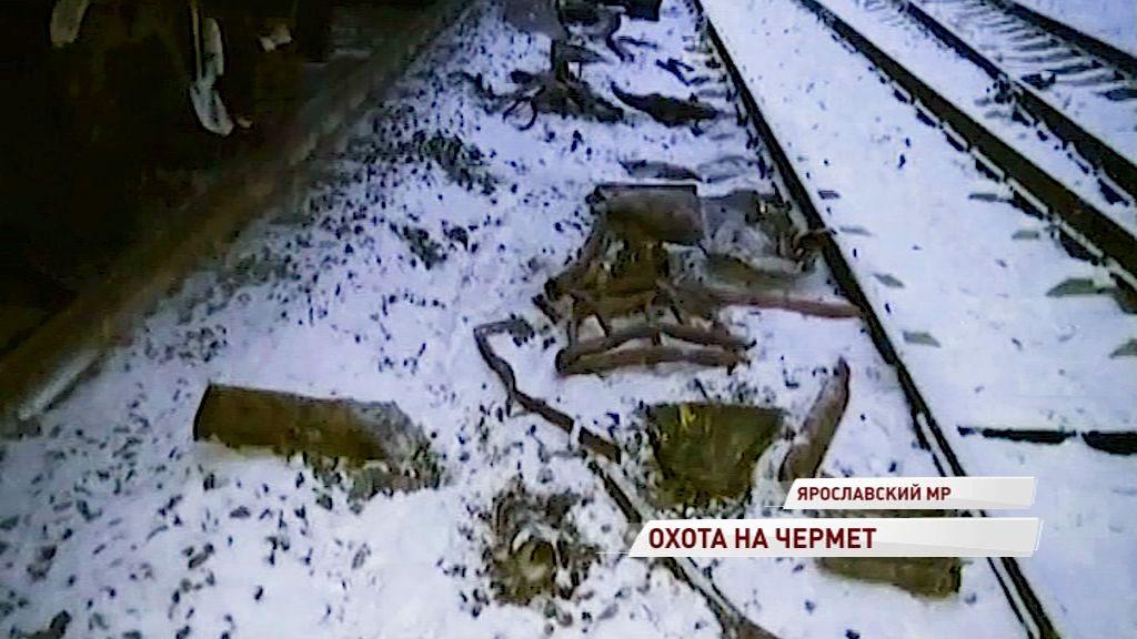 Двое жителей области украли из грузового поезда почти тонну чермета