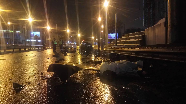 ФОТО: Стрелка спидометра замерла на 140: подробности смертельной аварии на Московском