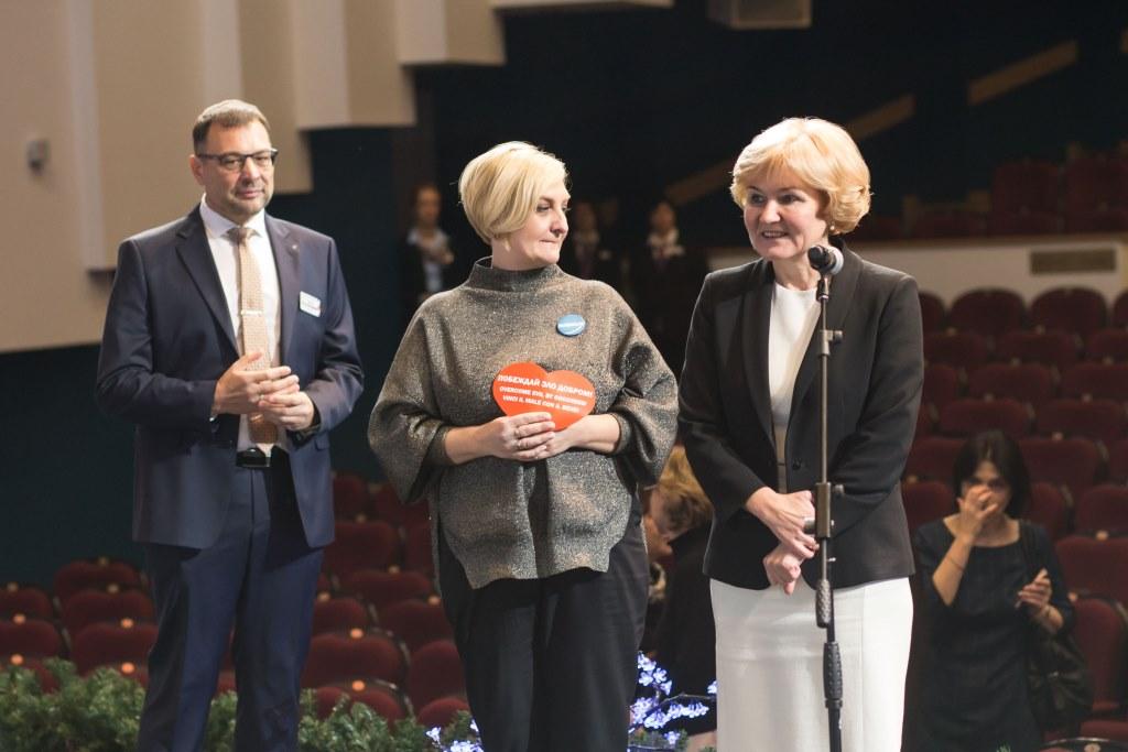 Ольга Голодец встретилась с актерами благотворительного спектакля «Мы все из одной глины»