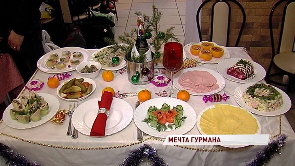 Студенты-кулинары из разных стран посоревновались в приготовлении новогодних блюд