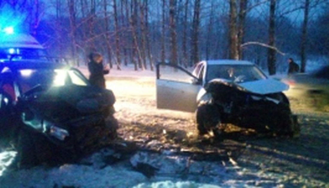 Утреннее ДТП в Ярославле: «Гранта» столкнулась с «Солярисом»