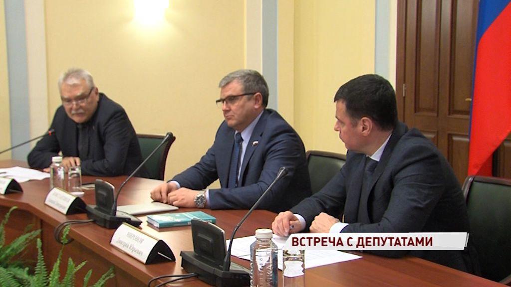 Дмитрий Миронов провел встречу с депутатами облдумы