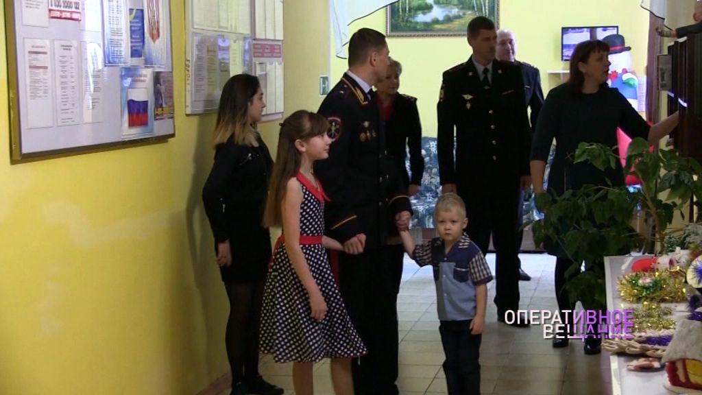 Полицейские поздравили воспитанников детского дома с Новым годом