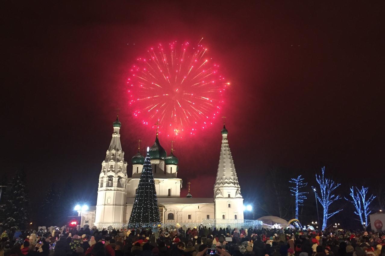 ФОТО: Как ярославцы встретили Новый год на Советской площади