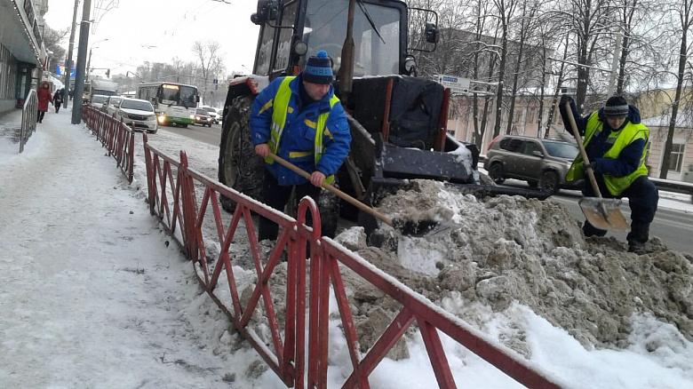 После новогодних гуляний Ярославль убирали более 60 спецмашин