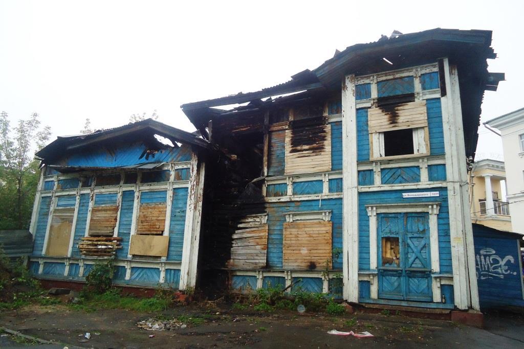 Владельца дома-памятника оштрафовали за пожар в здании