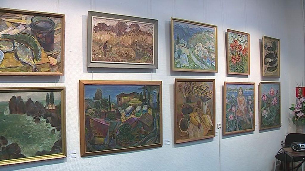 В зале Союза художников открылась выставка Нины Кулевой
