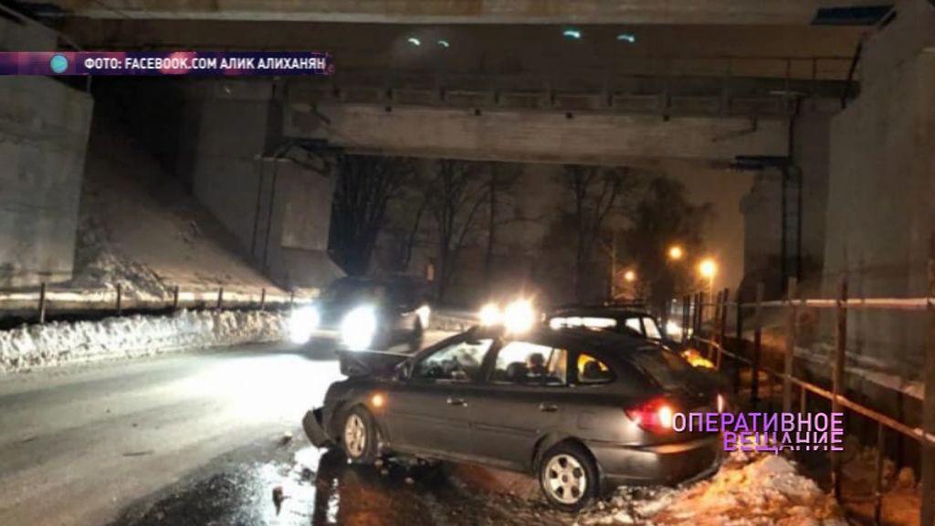 На переезде между Урочской и Шевелюхой не разъехались две машины