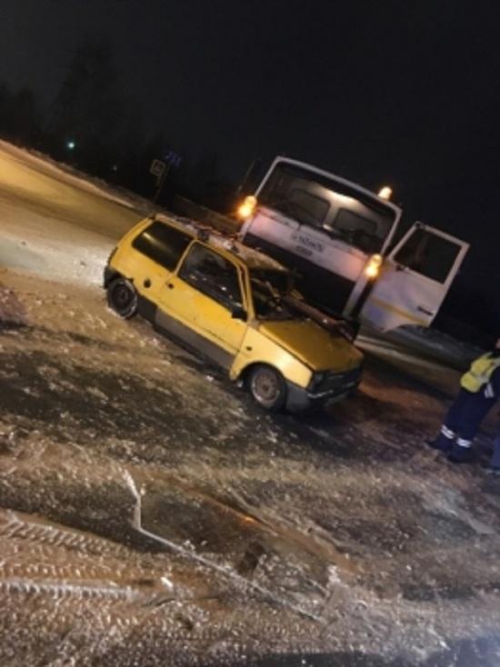 В Рыбинске КАМАЗ протаранил «Оку»: что с водителем малолитражки