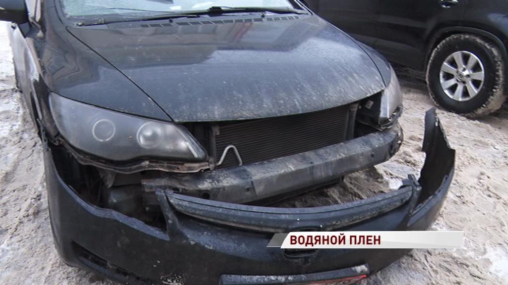 Люди без воды, машины без дороги: в праздники на Всполье прорвало трубу
