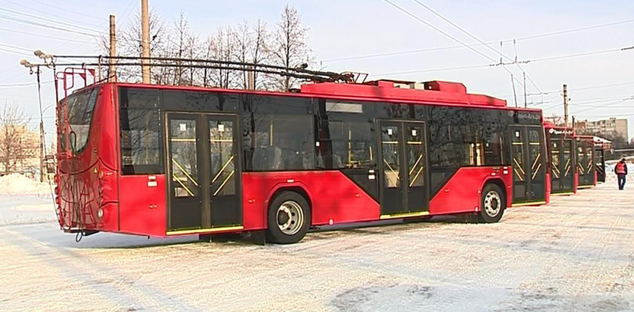 Wi-Fi, USB-зарядки, видеонаблюдение и пандусы: в Ярославль прибыли новые троллейбусы