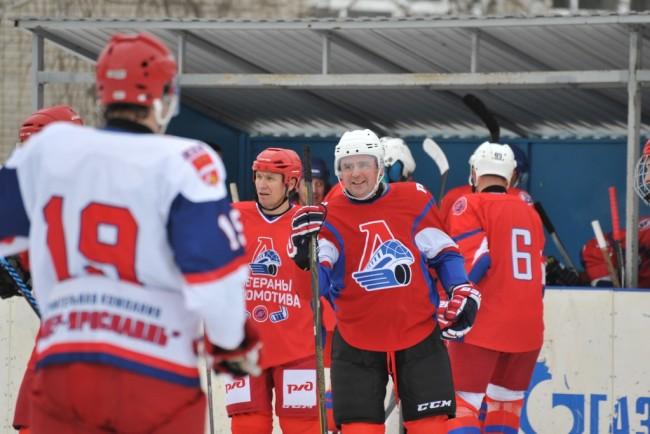 Показали пример: какими видами спорта занимаются ярославские чиновники