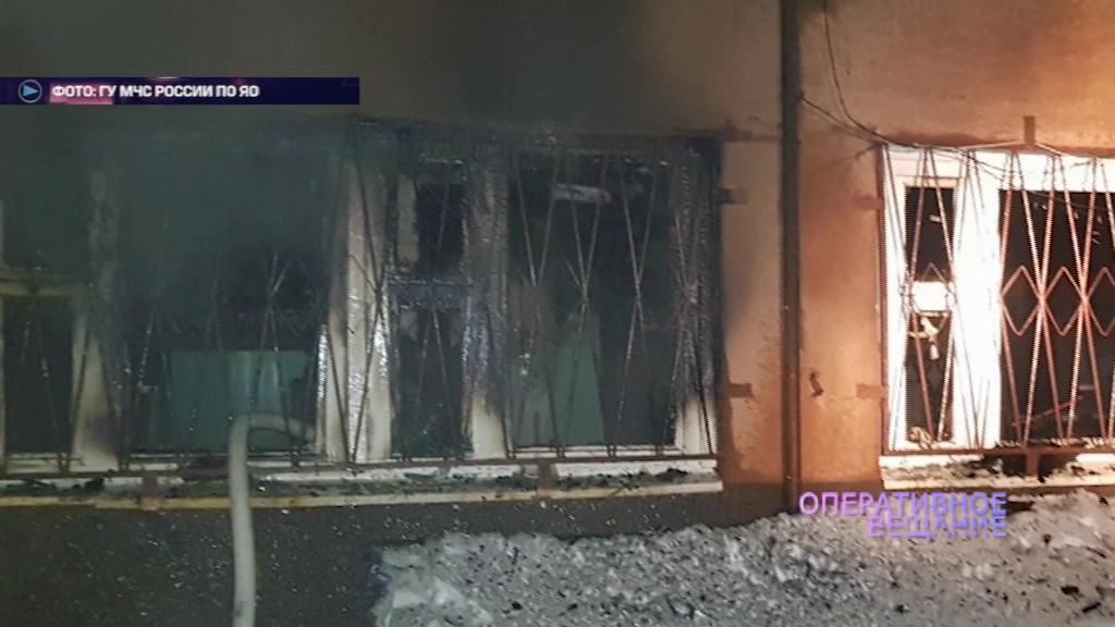 В промзоне Тутаева бушевал огонь