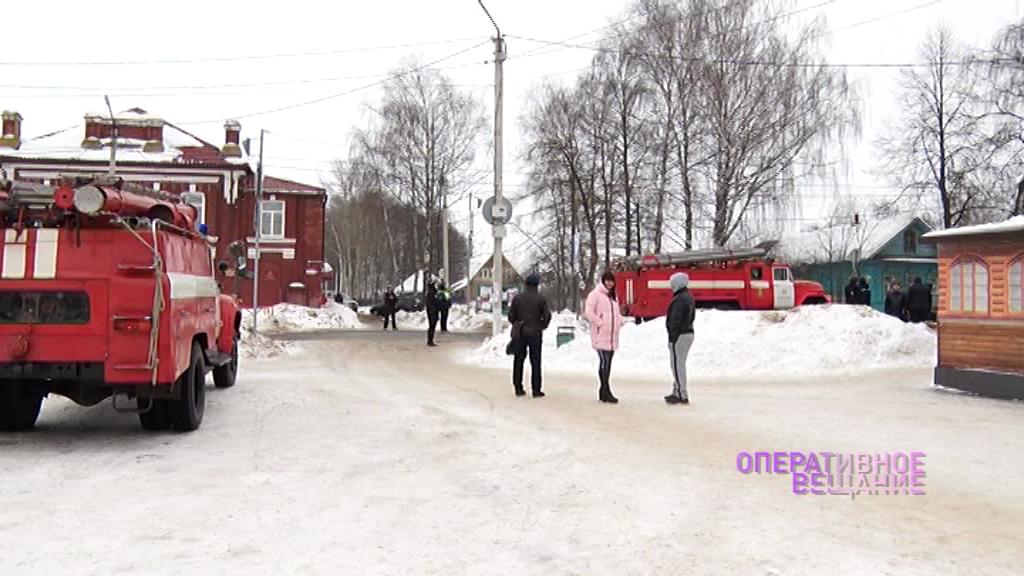 В центре Гаврилов-Яма днем эвакуировали людей из-за сообщения о минировании