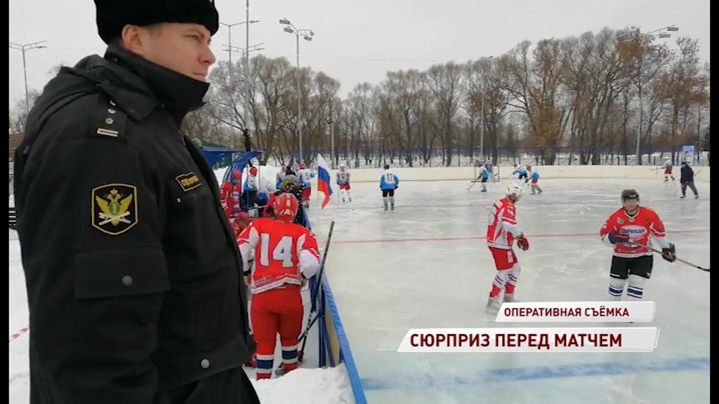 Приставы пришли к хоккеисту на матч из-за незаконного строительства