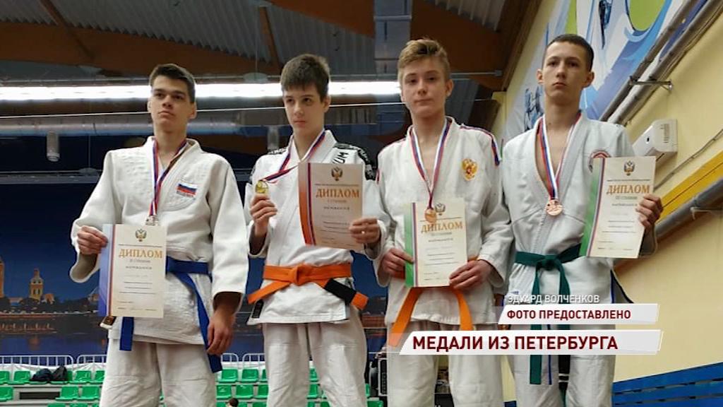 Ярославские спортсмены завоевали 13 медалей на чемпионате и первенстве России по джиу-джитсу