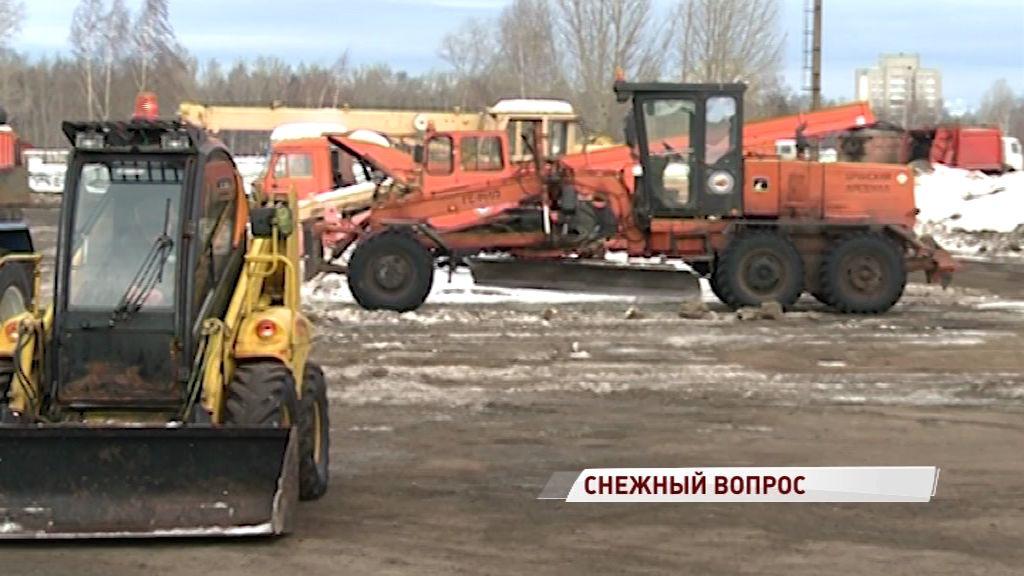 Сорок дворников и семь ржавых тракторов: САХ оказался на грани банкротства