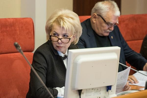 Лариса Ушакова: «То, что Президент в послании большое внимание уделил теме социальной поддержки населения, говорит о приоритетах руководства страны»