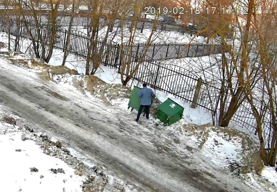 В Рыбинске поймали серийных переворачивателей мусорных баков