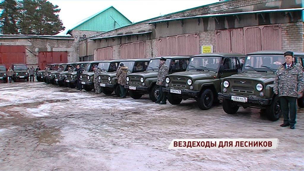 Новенькие внедорожники и снегоходы теперь появятся у ярославских лесничих
