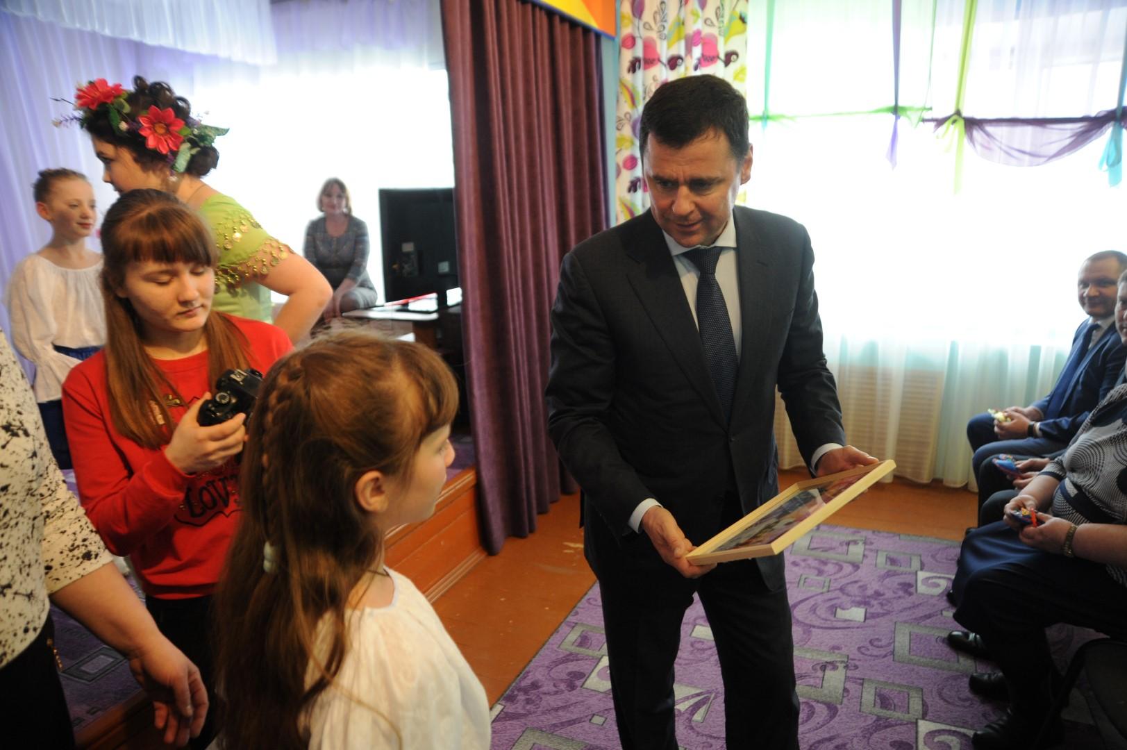 Губернатор в Первомайском районе: открытие нового бассейна, встреча с детьми из детдома и общение с жителями