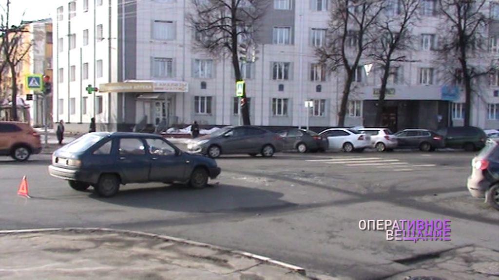 Злополучный перекресток: в ДТП угодили два авто