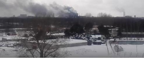 ВИДЕО: Пожар на шинном заводе: огонь охватил сто квадратов