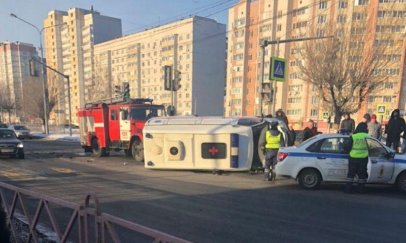 Полиция установила личность водителя, по вине которого могла перевернуться «скорая»