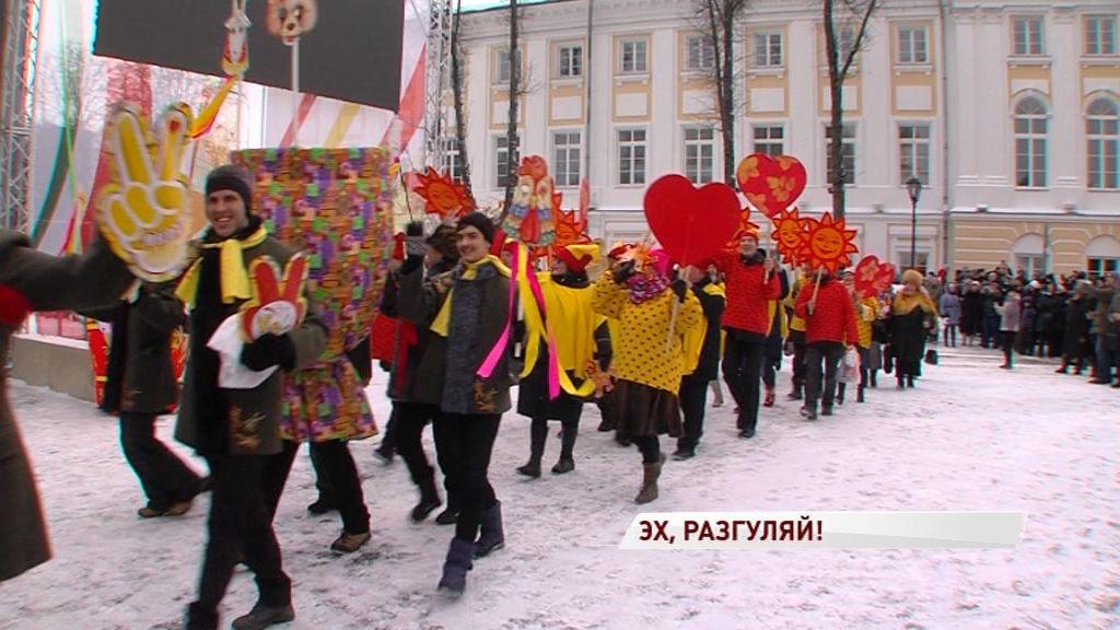 Главная Масленица страны стартовала с большого карнавала