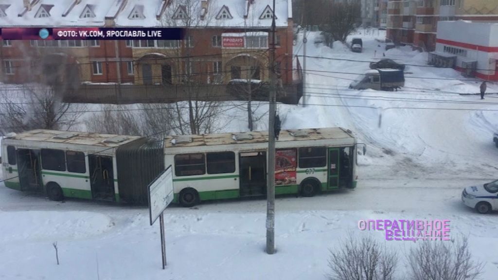 Пенсионерка перебегала дорогу в неположенном месте и попала под автобус