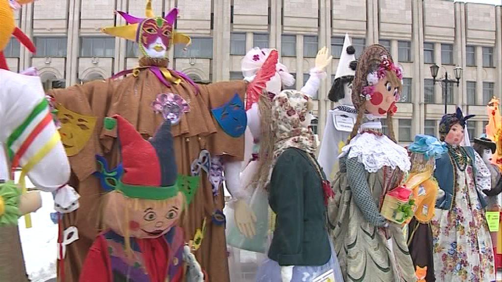 В России началась масленичная неделя: говорим о традициях и Главной Масленице страны