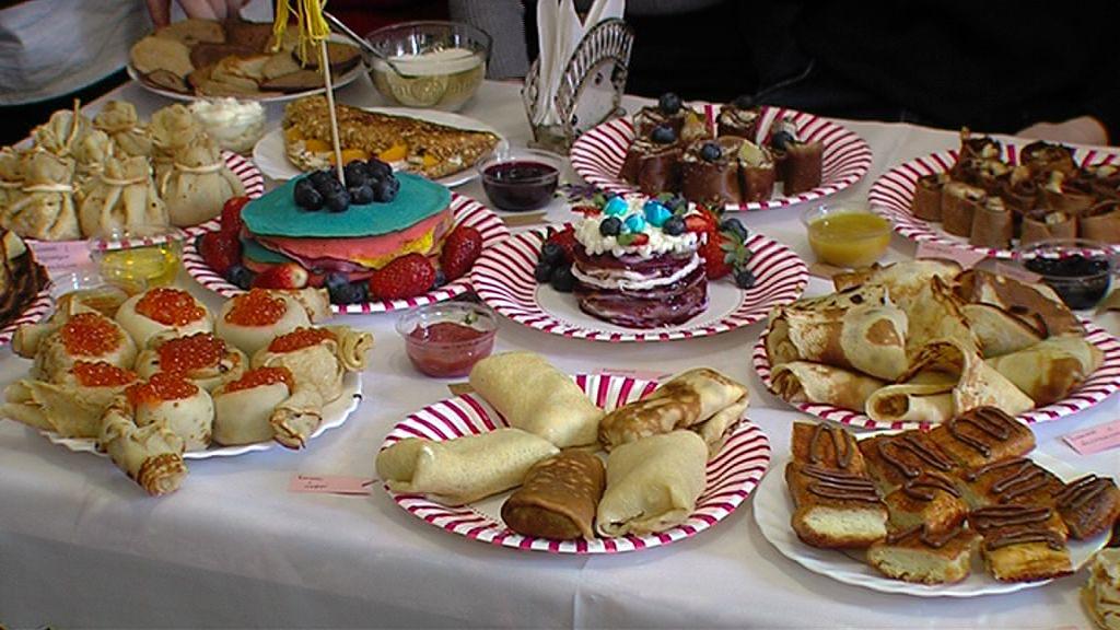 Студенты колледжа индустрии питания напекли вкусных и оригинальных блинов к Масленице