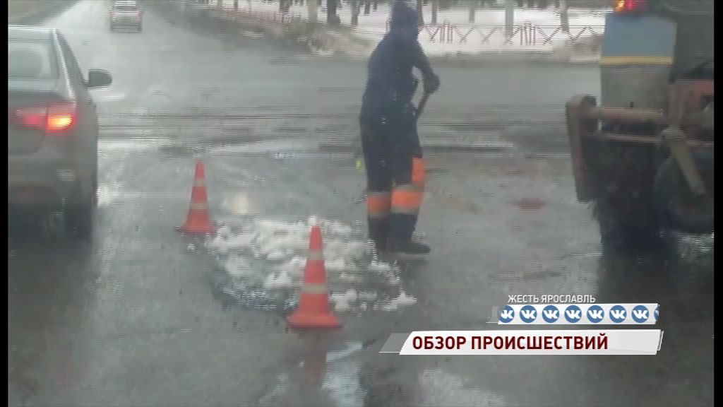 Ярославские дорожники решили помочь весне и растопить снег о свежий асфальт