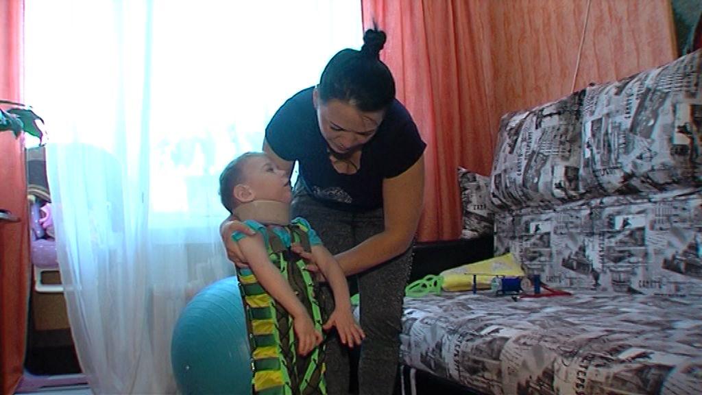 Маленький житель Тутаева с ДЦП борется за нормальную жизнь: как ему помочь
