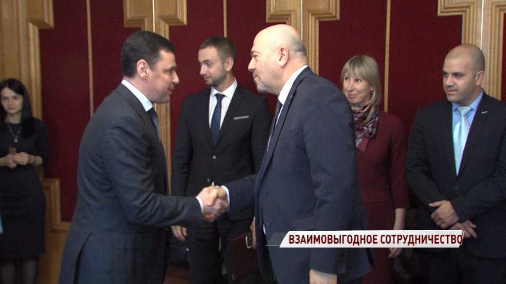 Развитие фармкластера и экспорт продукции: Дмитрий Миронов встретился с представителем Израиля