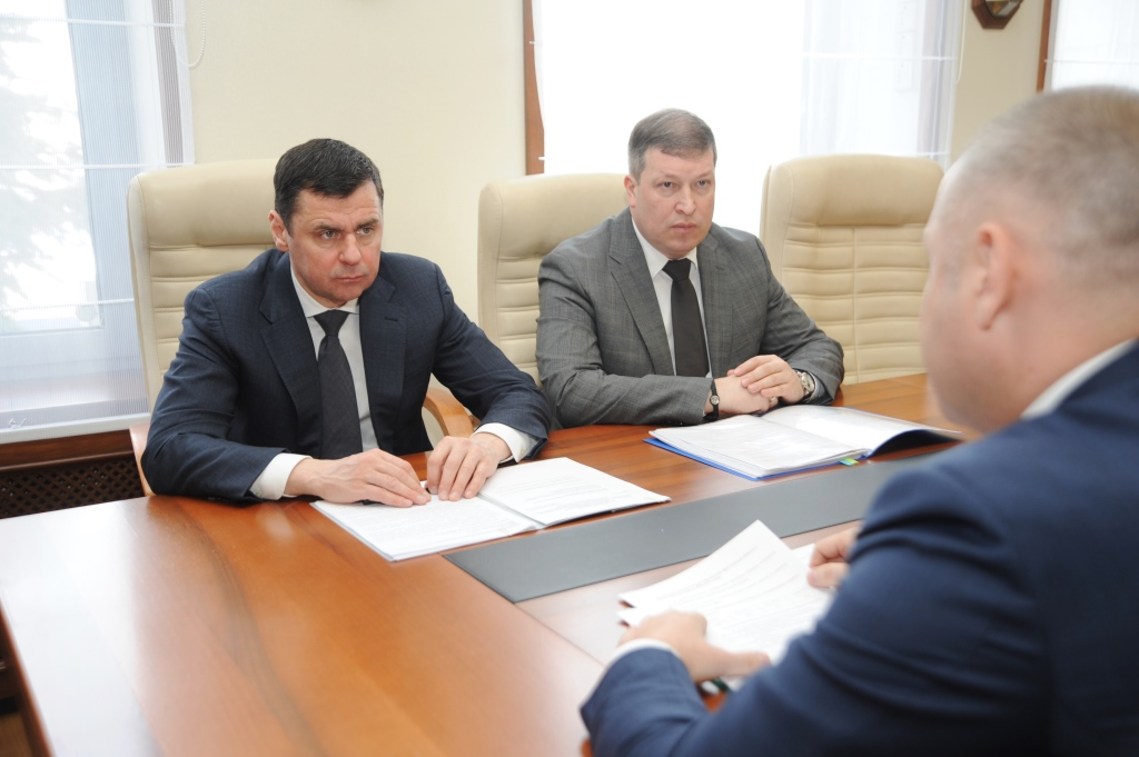 Дмитрий Миронов обсудил с заместителем руководителя Ростехнадзора работы по замене лифтов
