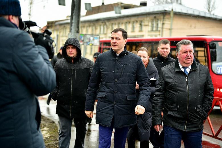 Мэр оценил тротуары и остановки на Московском проспекте