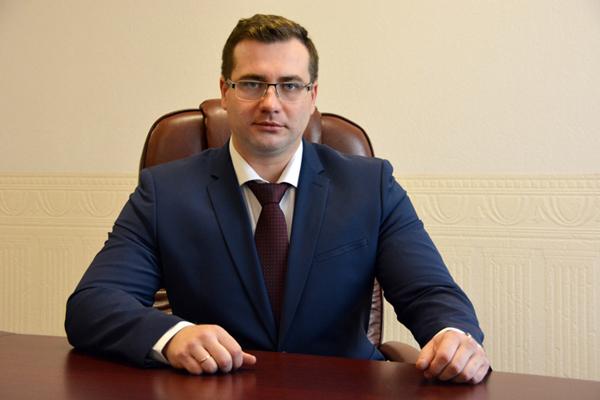 Не День всех влюбленных: ярославец с битой напал на ивановского мэра