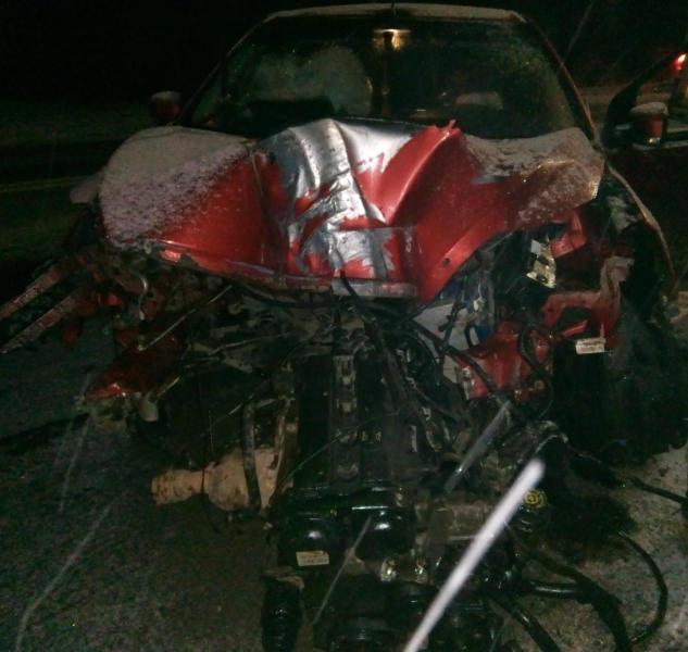Пьяная женщина на «Форде» врезалась в электрический столб