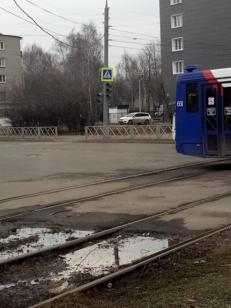 На улице Урицкого отключился светофор