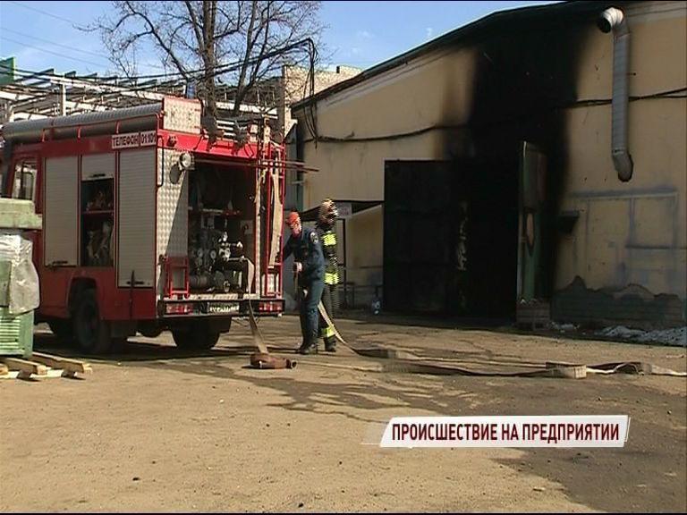 Серьезный пожар на выезде из Ярославля: есть жертвы