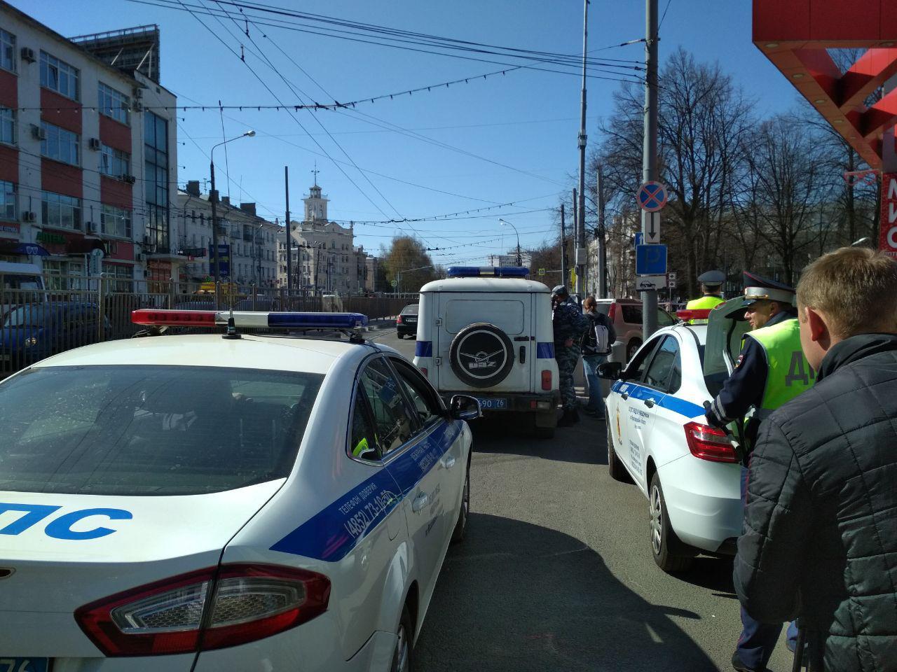 Из Ярославского торгового центра эвакуировали посетителей и персонал