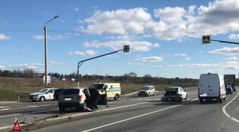 В ДТП на трассе М8 пострадал подросток