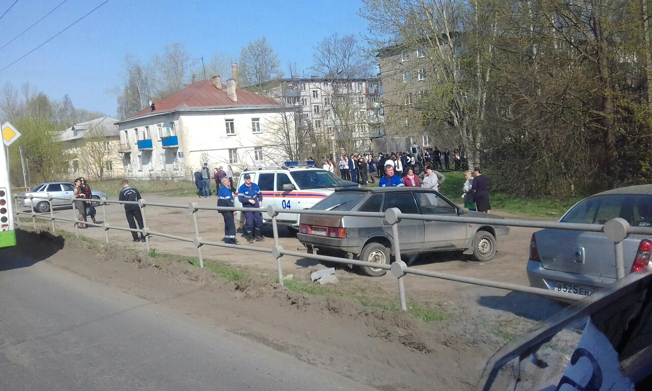 Из школы и поликлиники Рыбинска эвакуировали людей