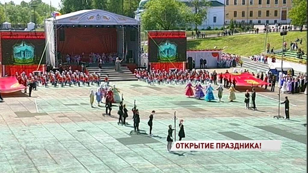 Открытие Дня города: стадион «Спартаковец» стал яркой концертной площадкой