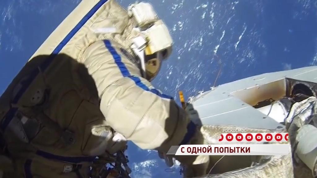 Алексей Овчинин сегодня выйдет в открытый космос на шесть часов