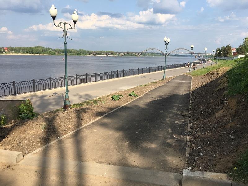 Рыбинцы пожаловались в соцсетях на кривой пандус на Волжской набережной: власти отреагировали на обращение