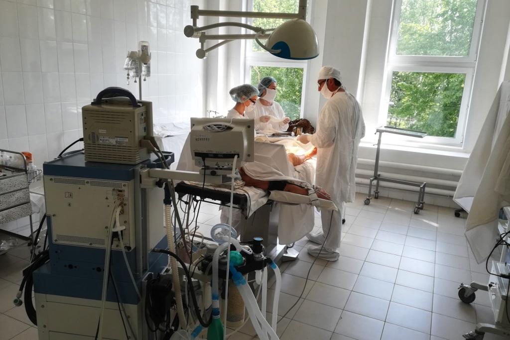 Десять тысяч эндоскопических операций провели хирурги девятой больницы